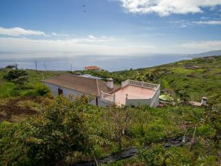Romantic 1 bedroom House in Puntallana with Internet Access - Puntallana vacation rentals