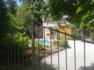 Le Grange - Dompierre-les-Eglises vacation rentals