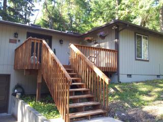 Beautiful home on the lake at Anderson Island - Anderson Island vacation rentals