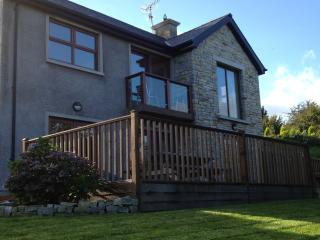 Perfect 3 bedroom House in Carlingford with Satellite Or Cable TV - Carlingford vacation rentals