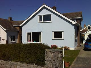 Nice 3 bedroom House in Rhosneigr - Rhosneigr vacation rentals