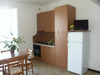 casa vacanze al mare ed in centro - San Benedetto Del Tronto vacation rentals