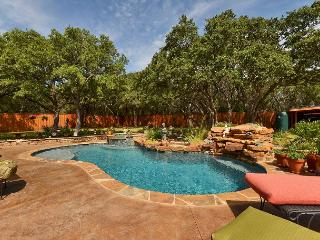 3BD/3BA Lake Travis Retreat with Pool Oasis, Sleeps 7! - Volente vacation rentals