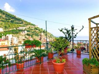 Bright House with Deck and Internet Access - Minori vacation rentals
