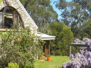 Comfortable Farmhouse Barn with Outdoor Dining Area and Television - Narooma vacation rentals