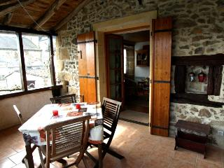 Charming Townhouse with Internet Access and Satellite Or Cable TV - Availles-Limouzine vacation rentals
