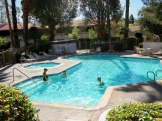 Palm Springs Villas Garden Condo - Palm Springs vacation rentals