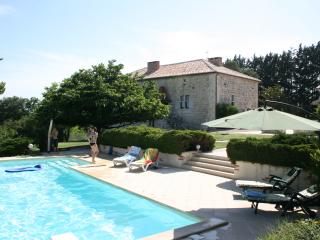 Nice 2 bedroom Gite in Saint Maurin with Internet Access - Saint Maurin vacation rentals