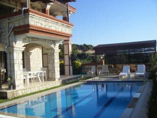 Perfect 5 bedroom Villa in Cesme with Satellite Or Cable TV - Cesme vacation rentals