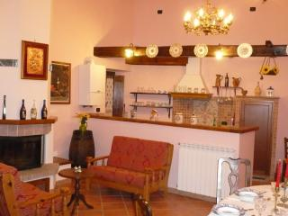 Perfect House with Kettle and Satellite Or Cable TV - Macerino vacation rentals
