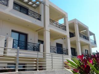 Nice 2 bedroom Agios Stefanos Condo with Internet Access - Agios Stefanos vacation rentals