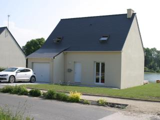 Spacious House with Satellite Or Cable TV and Television - Mur-de-Bretagne vacation rentals