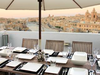 Nice Penthouse with Internet Access and A/C - Cospicua (Bormla) vacation rentals