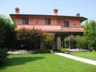 Nice Condo with A/C and Satellite Or Cable TV - Sirmione vacation rentals