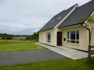 Bright 4 bedroom Bungalow in Belturbet - Belturbet vacation rentals