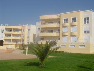 TWO BEDROOM APT WITH SEA VIEWS - Luz vacation rentals