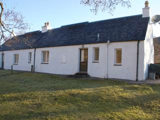 West Bothy with wood-burning stove to warm you - Lochcarron vacation rentals