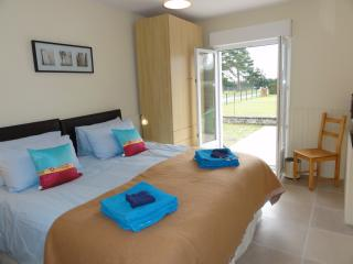 Comfortable Villa with Internet Access and Dishwasher - Brehal vacation rentals
