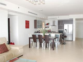 Royal Residence - Stunning 3 bedroom apartment with pool in South Beach, Netanya - PK03KP - Netanya vacation rentals