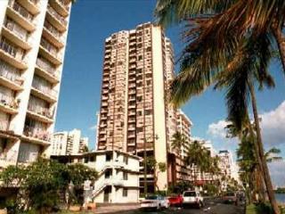Monte Vista 1704-Free Parking & Wifi - Honolulu vacation rentals