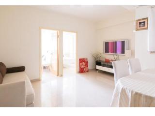 FABULOUS 2 Bdr apartment 1-5 ppl 3 min from MTR - Hong Kong vacation rentals