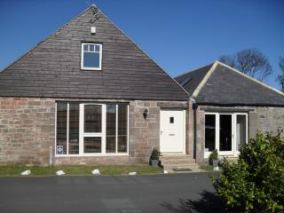 Nice 3 bedroom Cottage in Beadnell with Deck - Beadnell vacation rentals