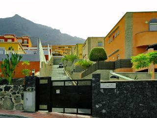 ROQUE DEL CONDE 2 BEDS - Costa Adeje vacation rentals