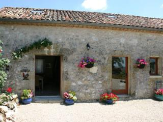 La Bergerie Holiday Cottage in Gascony - Condom vacation rentals