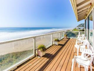 Dog-friendly house w/ fantastic oceanfront location, steps to the beach - Gleneden Beach vacation rentals