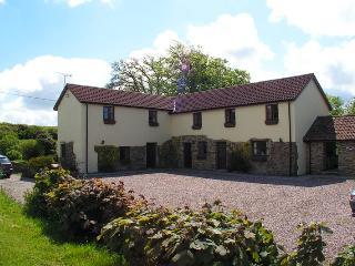 Comfortable 2 bedroom Cottage in Torrington - Torrington vacation rentals