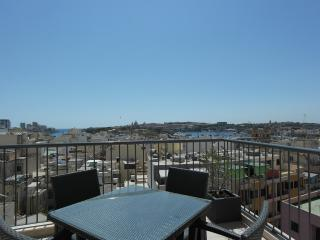 Apartment in the heart of Gzira, close to Sliema - Il Gzira vacation rentals