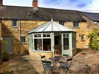West End Cottage, Kingham, Historic quiet cottage - Kingham vacation rentals