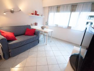 In the heart of Nice, 2 minutes from beach - Nice vacation rentals