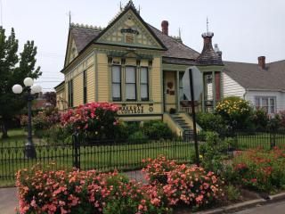 Waverly Cottage 1898 Historic Victorian - Ashland vacation rentals