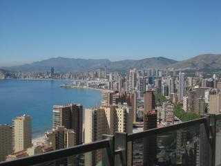 Bright Villa with Internet Access and A/C - Benidorm vacation rentals