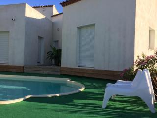 Villa 170m2, near beach - Saint SERIES vacation rentals