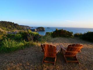 Ocean Views Residence @ Whale Rock. Sleeps 6 - Spacious and Upscale - North Coast vacation rentals
