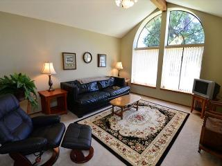 Balboa Bliss - Nice, Spacious, Quiet, 3 Bedroom Home in Park Setting - Arcata vacation rentals