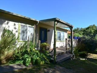 Fernbridge House - Cute Bungalow just outside Victorian Village of Ferndale - Samoa vacation rentals