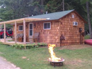 Cottage on AuTrain River Near Lake Superior, Pictured Rocks, Beaches, Waterfalls - Munising vacation rentals