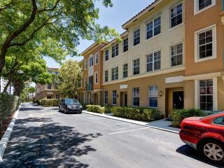 3 bedroom Apartment with Internet Access in Miami Beach - Miami Beach vacation rentals