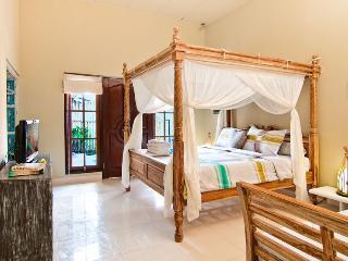 Seminyak Villa 4 bedroom Plawa - Seminyak vacation rentals
