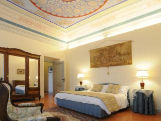 Luxury 1  Bedroom Apartments/Suite - Mountain View - San Ginesio vacation rentals