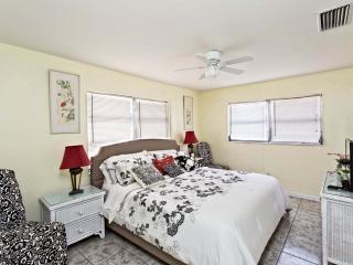 Cape Coral Palm Breeze Apartments - Cape Coral vacation rentals