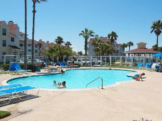 Beautiful 1st floor Condo just off the Beach! - Corpus Christi vacation rentals