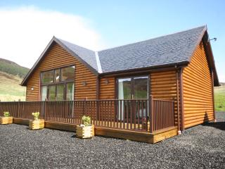 Nice 3 bedroom Cabin in Kenmore with Deck - Kenmore vacation rentals