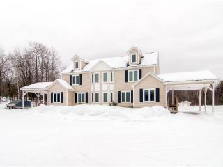Perfect 3 bedroom West Dover House with Dishwasher - West Dover vacation rentals