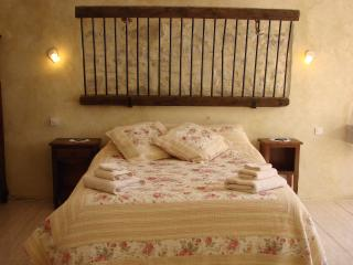 Nice Studio with Internet Access and A/C - Azille vacation rentals