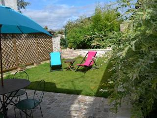Nice Cottage with Internet Access and Dishwasher - Marne-la-Vallée vacation rentals