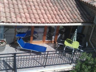 L'Appartement Wi-fi, Games room, Heated Pool, UKtv - Azille vacation rentals
